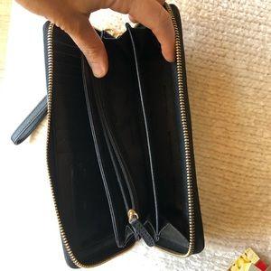 Michael Kors Bags - Michael Kors Jet Set Travel Wallet